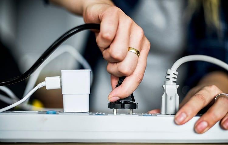 pluging mini fridge in extension cord