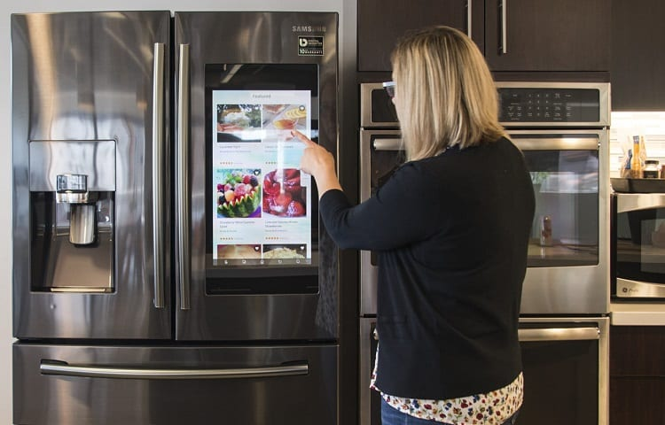 woman creating grocery list