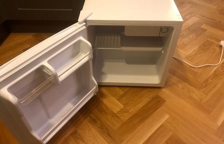 things to consider when buying used mini fridge
